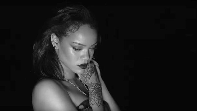 Rihanna Kiss It Better music video.
