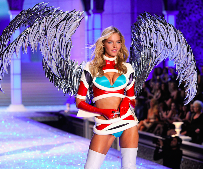 Erin Heatherton Victoria's Secret Fashion Show.