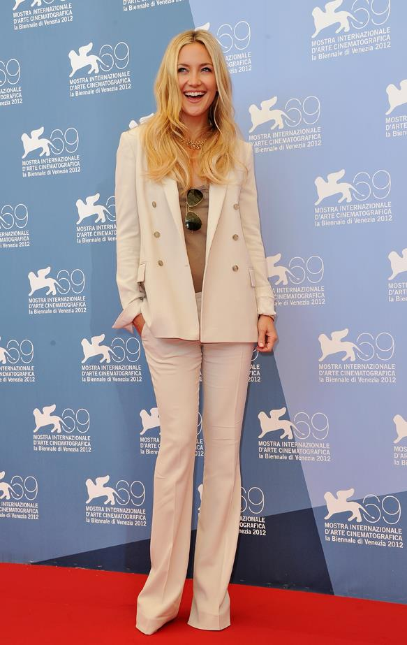 Cream wide-leg trousers and a matching blazer did the trick for Kate Hudson in 2012.
