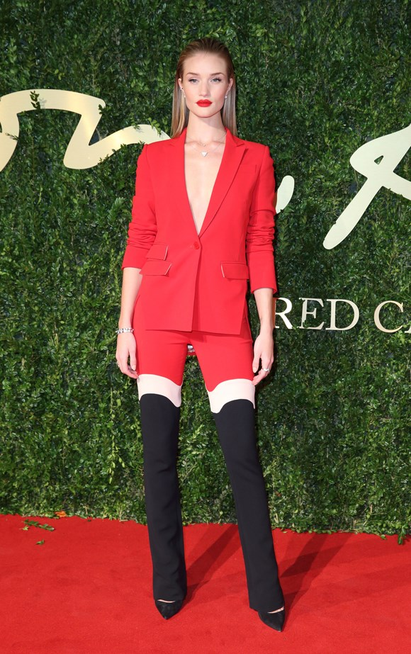 Rosie Huntington-Whiteley slayed in this tri-colour suit.