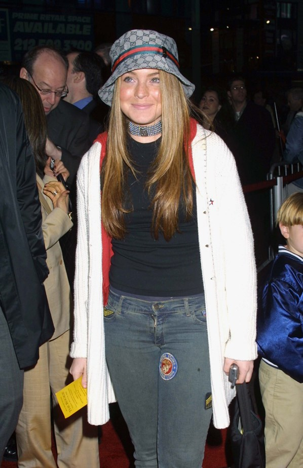 What was it about the combination of chokers and bucket hats that celebrities found so alluring?