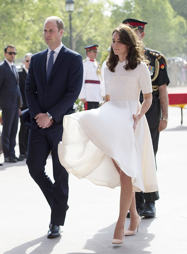 Wearing a white flowy dress on a windy day is bound to get some blustering going, but luckily Kate is 100% profesh and handled it like a boss.