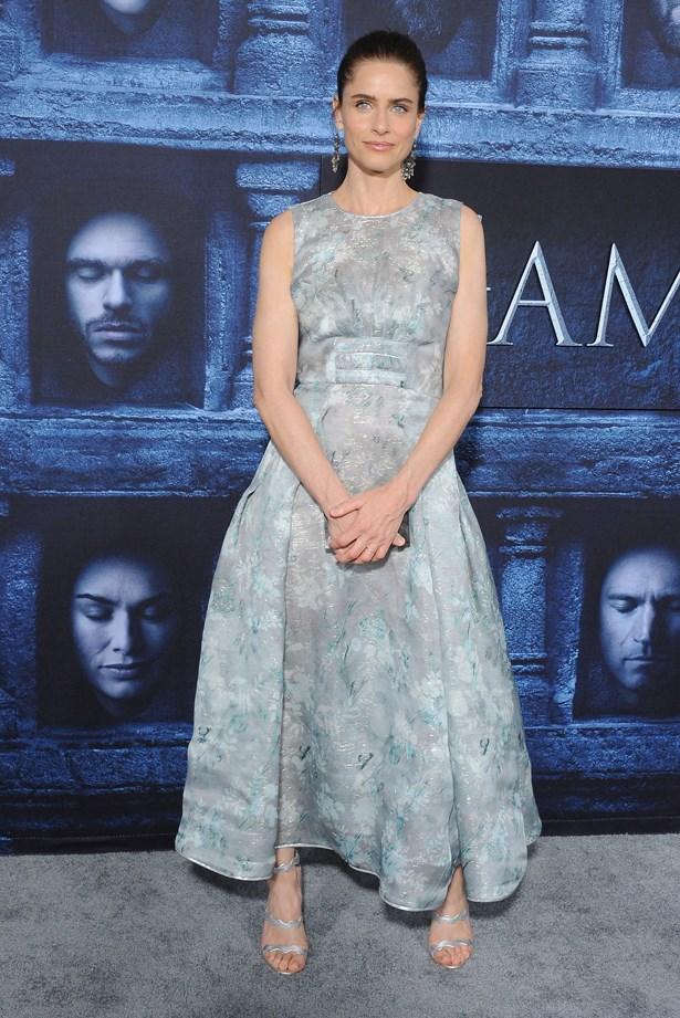 Amanda Peet.