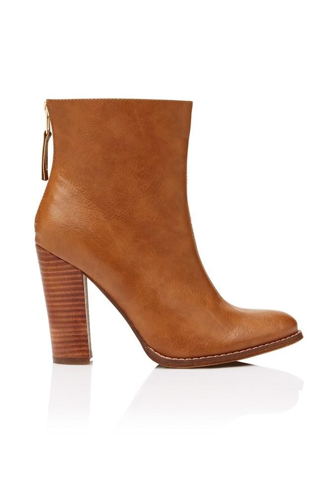 "<a href=""http://www.sportsgirl.com.au/shoes/boots/gigi-heel-boot-tan"">Boots, $99.95, Sportsgirl</a>"