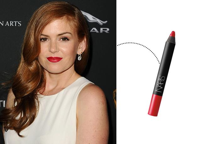 "<p> Isla Fisher<p> <p> <a href=""http://www.narscosmetics.com/USA/dragon-girl-velvet-matte-lip-pencil/0607845024576.html"">NARS Velvet Matte Lip Pencil in 'Dragon Girl'</a>."