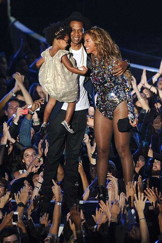 Jay Z, Beyonce and Blue Ivy at the MTV Awards