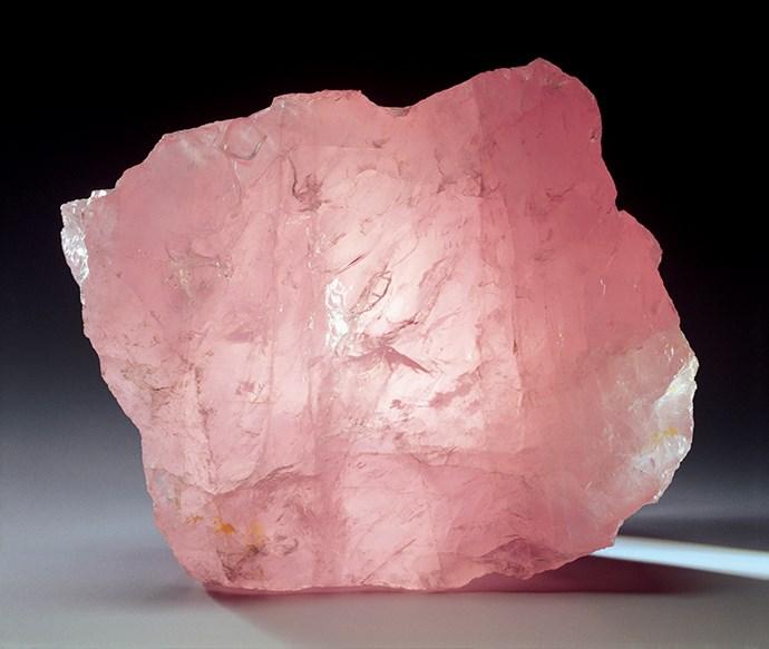 Close-up picture of rose quartz.