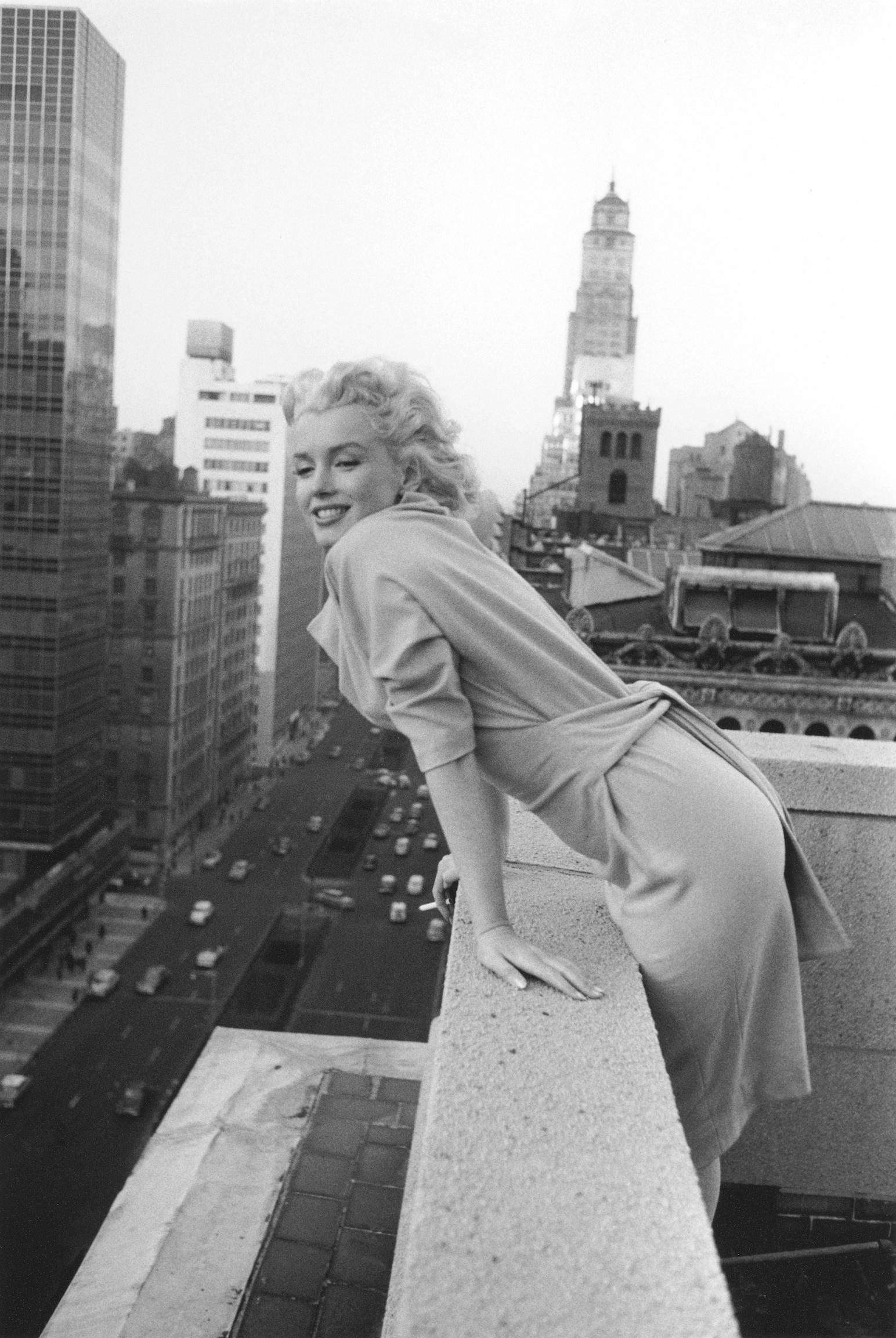 Marilyn Monroe Living Room Decor: Marilyn Monroe's Apartment Is Up For Sale For A Sweet $9.3