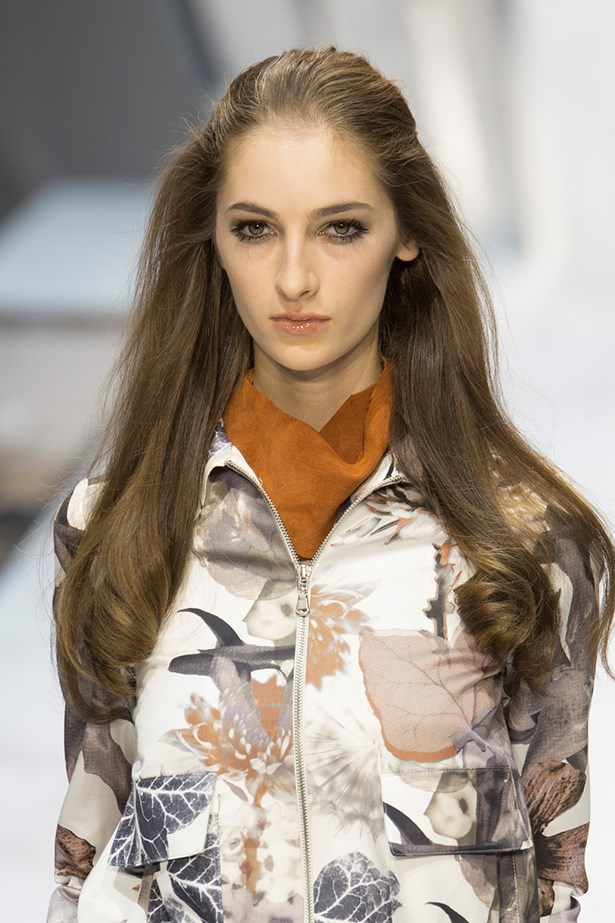 <P>LIBRA<p> <p> You crave balance and peace so anything too elaborate is a no-no.<p> <p> Minimalists will love the relaxed elegance of Daks' slicked back half-up half-down style. The trick here is to keep the volume in the ends so tong in a gentle wave.
