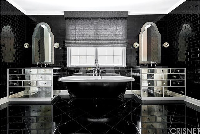 Right, this is definitely our bathroom goals.