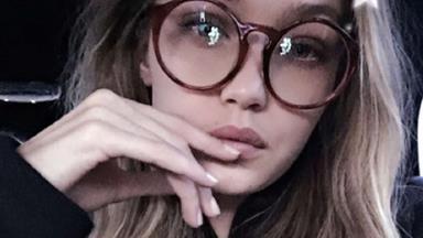 How Fashion Girls Do Glasses