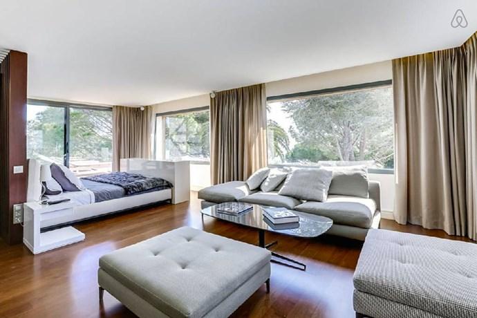 "Image via <a href=""https://www.airbnb.com.au/rooms/12847737"">Airbnb</a>."