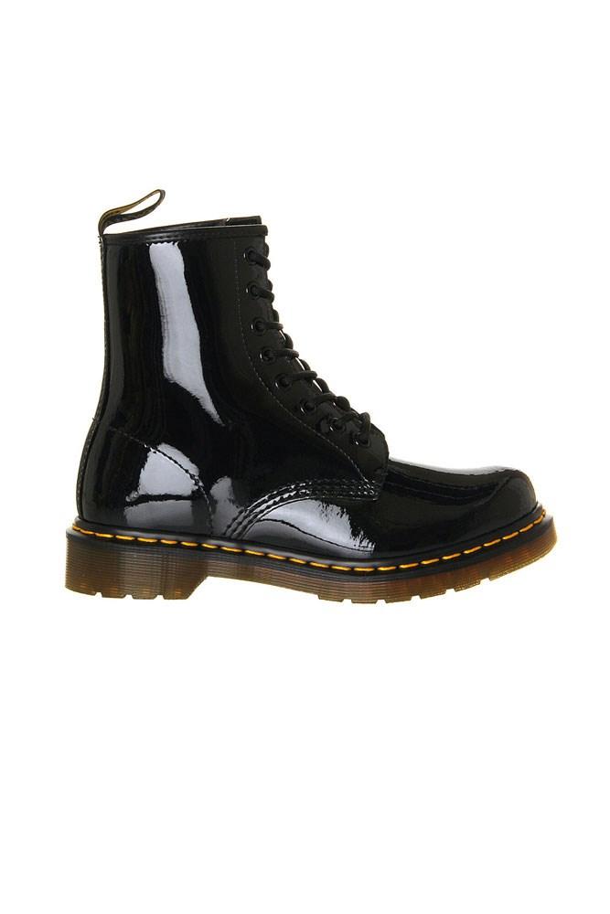 "Festival muse: Poppy Delevingne<br><br> <a href=""http://www.selfridges.com/AU/en/cat/dr-martens-1460-8-eye-patent-leather-boots_726-10036-2760300371/"">Boots, $153, Dr. Martens at selfridges.com</a>"