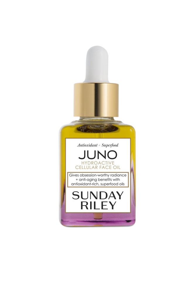 "The Facial Oil<br> <a href=""http://mecca.com.au/sunday-riley/juno-hydroactive-cellular-face-oil/I-015825.html?cgpath=skincare-treatment-oilsserums"">Juno Hydroactive Cellular Face Oil, $135 for 30ml, Sunday Riley</a>"