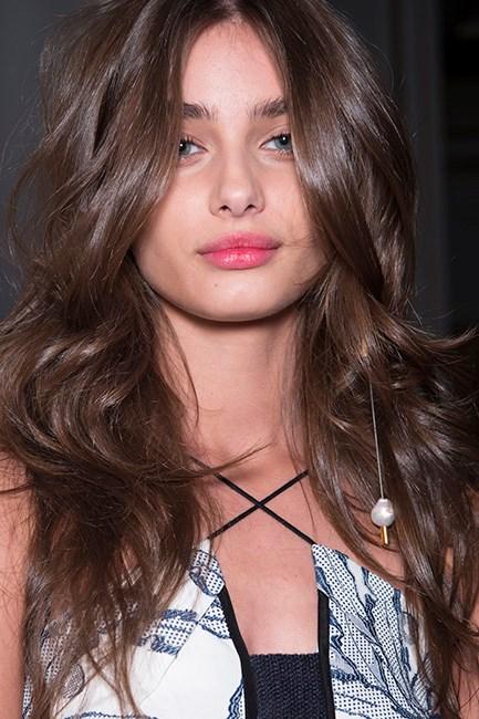 Taylor Hill Blowdry Hair