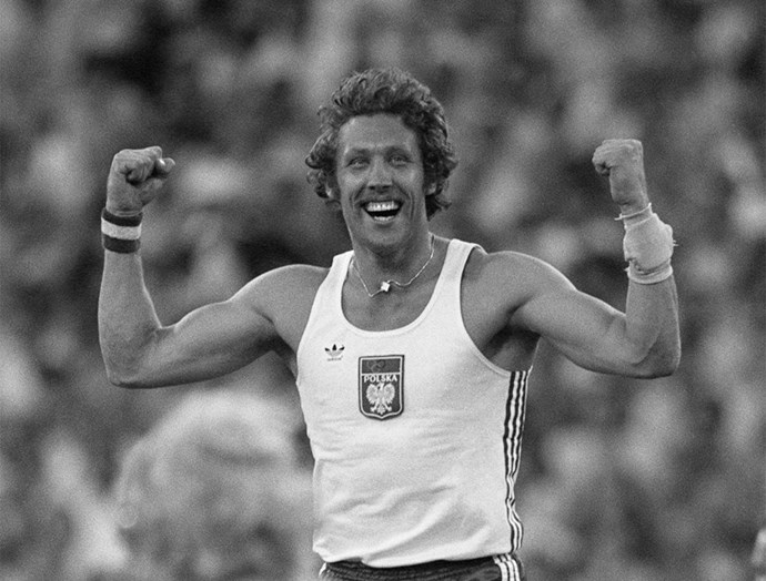 <P> <strong>1980, MOSCOW: THE BRAS D'HONNEUR</strong><p> <p> Polish pole vaulter Władysław Kozakiewicz won the gold medal in his event, but then made himself even more famous by showing an obscene bras d'honneur gesture in all four directions to the jeering Soviet public. As a result, he was almost stripped of his medal...but was a hero to the Polish people.