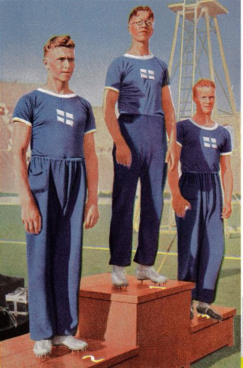 <p> <strong>1932</strong><p> <p> This year sees the introduction of the Olympic Village, where athletes are encouraged to wear sportswear when off-duty and where uniforms to represent one's country become en vogue. The Olympics also introduced the winners' podium this year, showing off the winning athletes receiving medals.