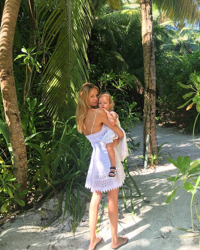 Natasha Poly and daughter Aleksandra have this vacation thing down pat.