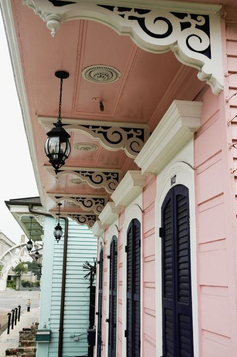 <strong>New Orleans </strong><br> A Great Alternative To . . . Paris<br> Looking for a romantic city getaway with amazing food but only have a few days to take off post-wedding? New Orleans has all the charm and atmosphere as Paris, plus beignets.