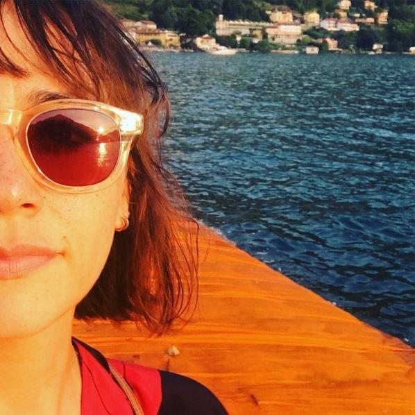 "<p><strong>Rashida Jones</strong> <p>Check out that cute smattering of freckles across Rashida's nose and cheeks. <p><a href=""https://www.instagram.com/p/BHN8uf5A1AW/"" target=""_blank"">Instagram.com/rashidajones</a>"