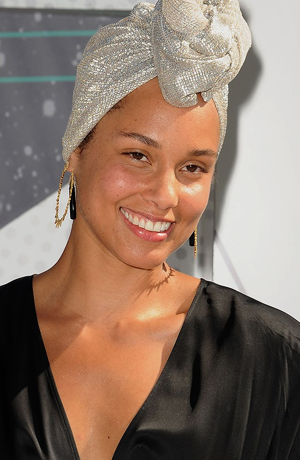<p><strong>Alicia Keys</strong> <p>Alicia made a bold statement when she went make-up-free to the 2016 BET Awards.