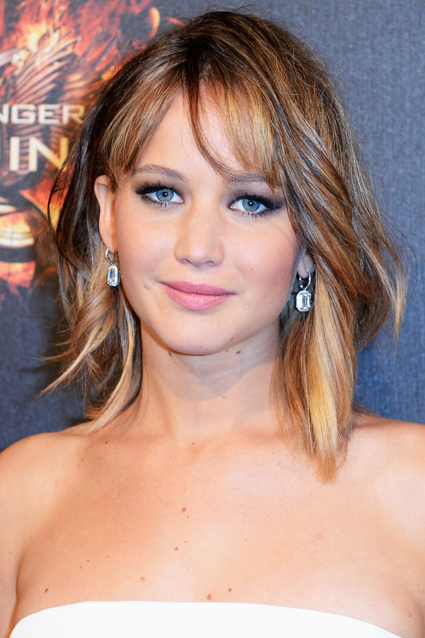 May 2013. A long bob, dark eyes and a pretty pink lip keep Jen's look soft and feminine at a party in Cannes.