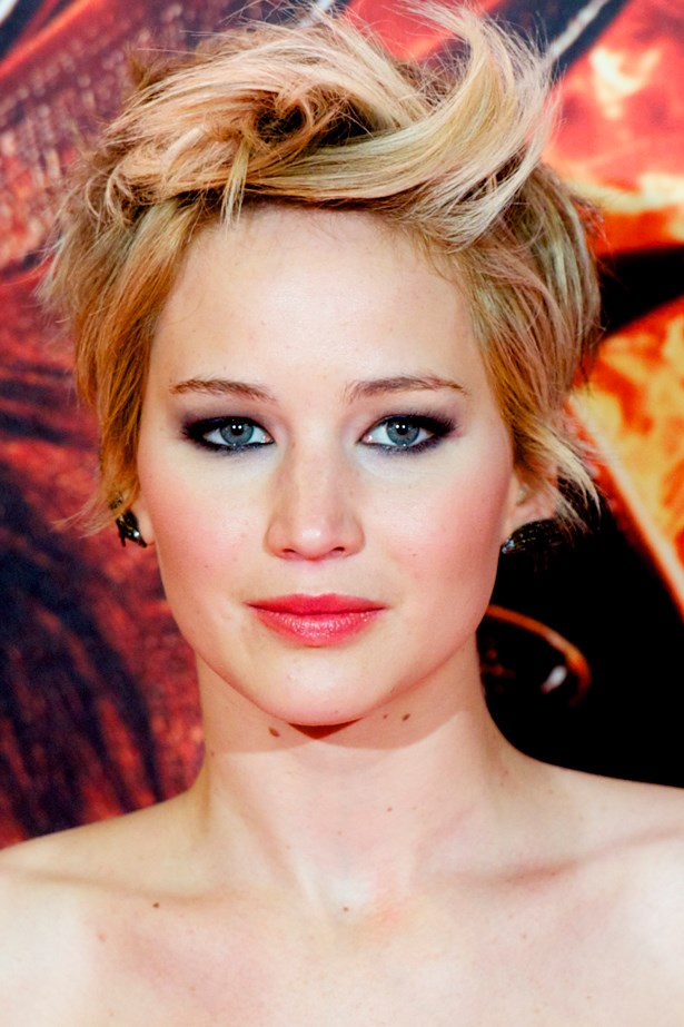 November 2013. After cutting it all off, Jen styled her newly short do with punk-style flicks and graphic liner at the Madrid premiere of <em>The Hunger Games: Catching Fire.</em>