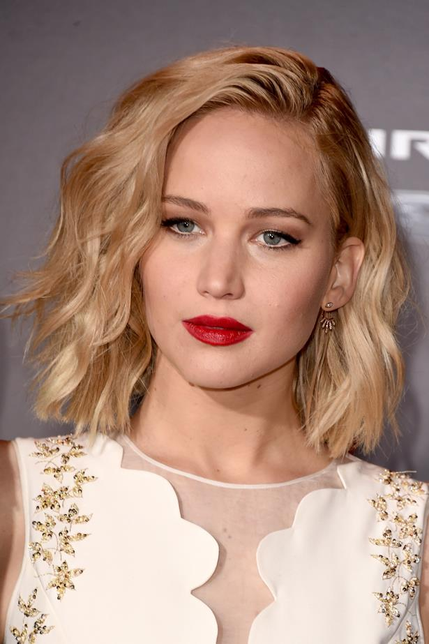 November 2015. Jen went with a classic red lip and black cat eye to offset her sexy textured waves at the premiere of <em>The Hunger Games: Mockingjay - Part 2 </em>in LA.