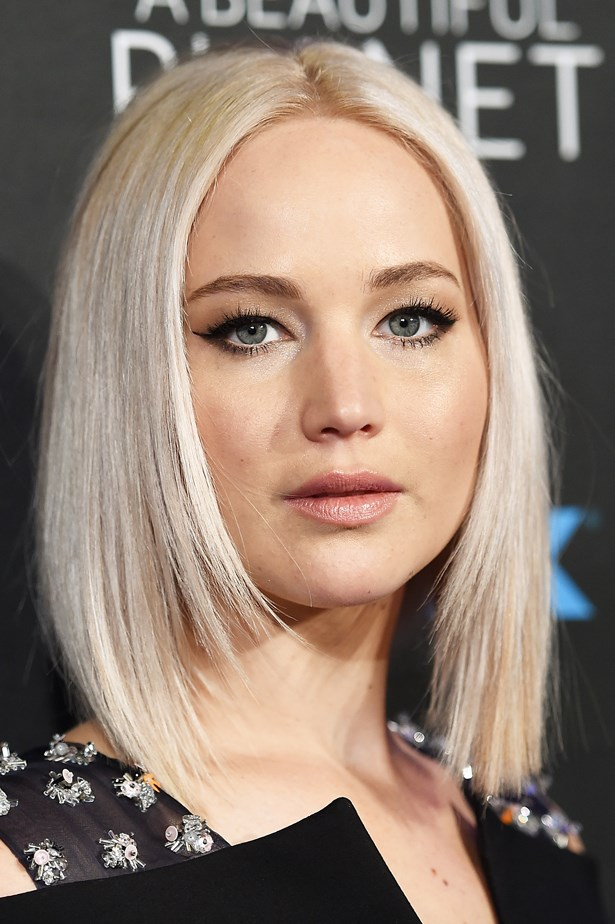 April 2016. Jen dons sleek locks and a full lashed, feline flick for the <em>A Beautiful Planet</em> Premier.