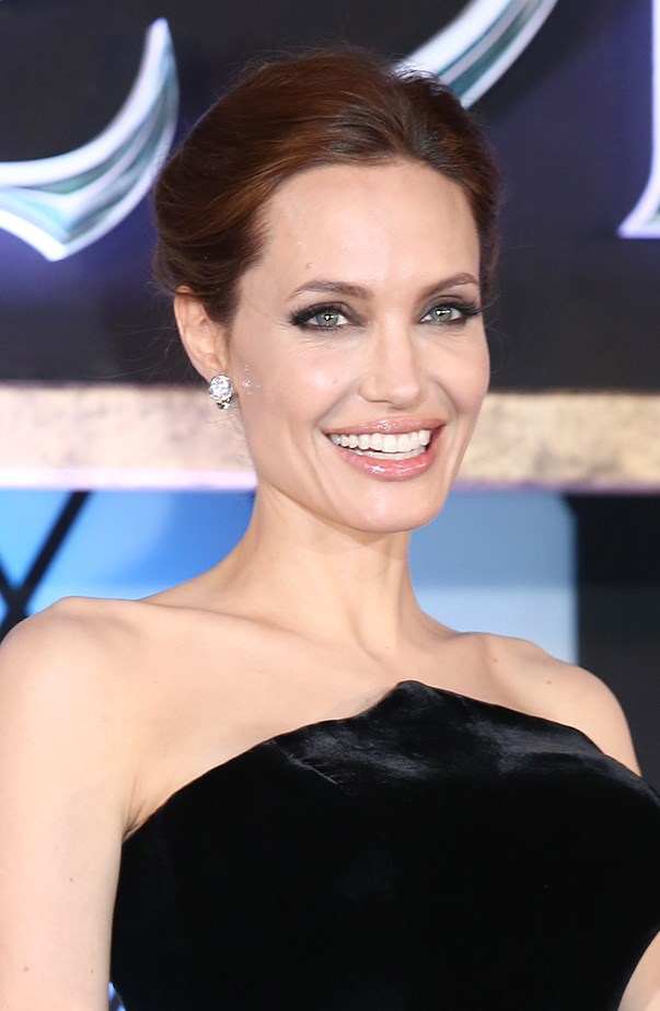 <p><strong>2013: Angelina Jolie</strong> <p>Angelina earned an estimated US$33 million.
