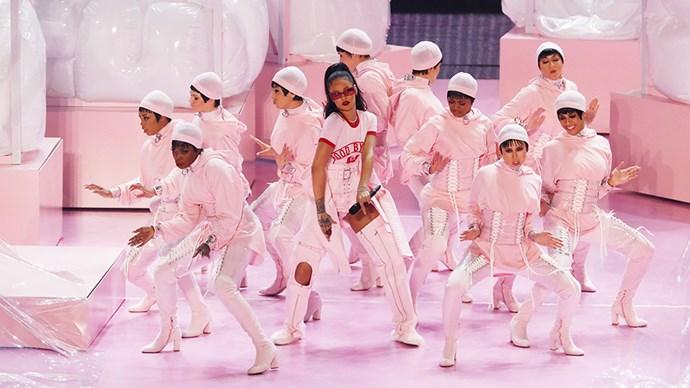 Rihanna 2016 VMAs performance.