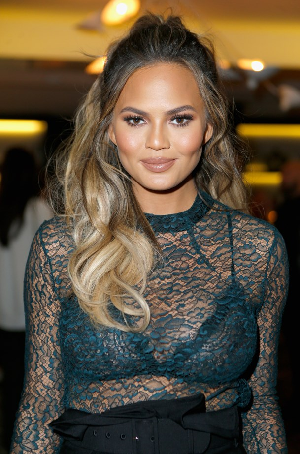 <p>FOR THOSE THINKING OF GOING LONG<p> <p> Chrissy Teigen.