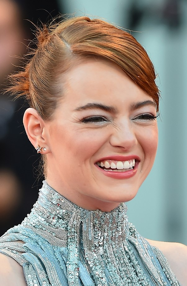 <p>Emma Stone has two lobe piercings on each ear.