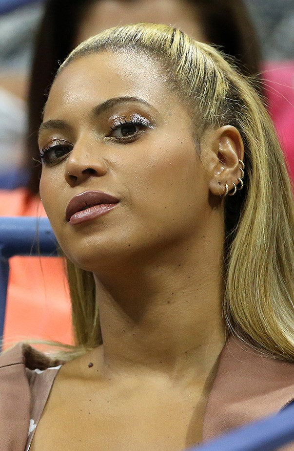 <p>Beyoncé likes to wear diamond sleepers all the way up her left ear. She's been pierced by Brian Keith Thompson.