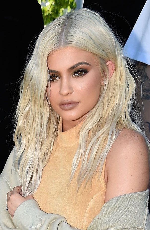 <p>Kylie Jenner recently went platinum blonde for real. She posted the whole bleaching process on Snapchat so people knew it wasn't a wig.