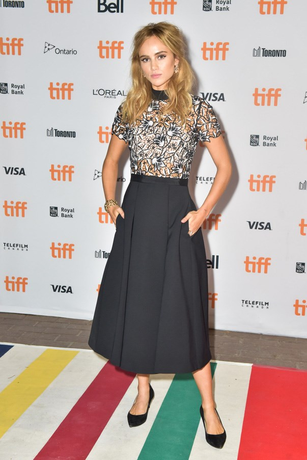 <p>Suki Waterhouse.