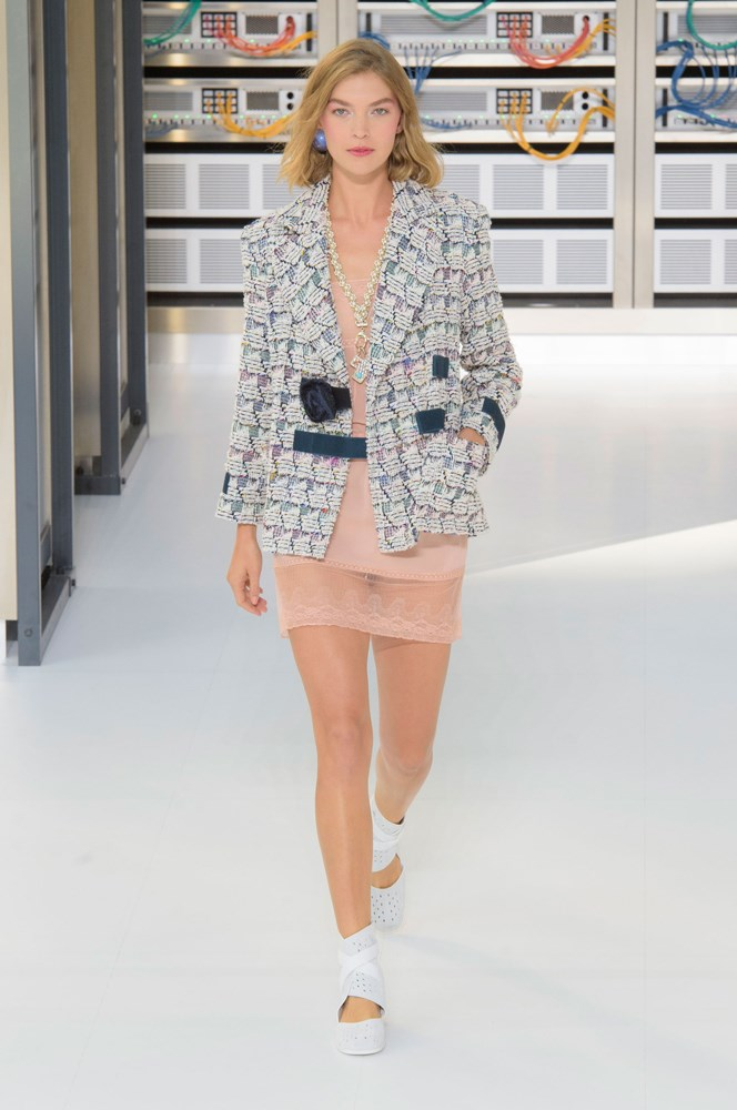 Karl Lagerfeld's Chanel Show PFW SS 2017