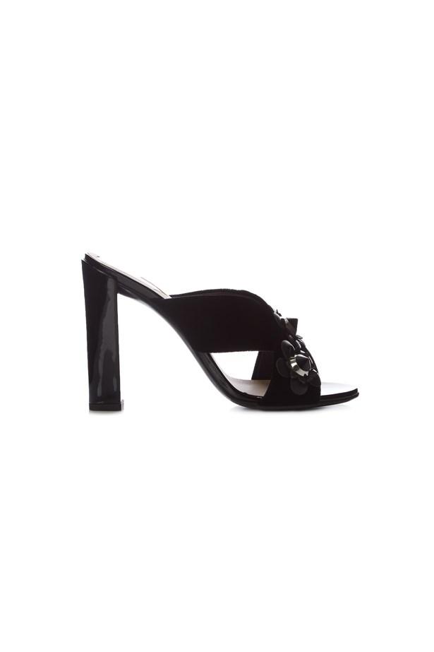 "<p> <a href=""http://www.matchesfashion.com/au/products/Fendi-Flowerland-leather-mules-1051644"">Shoes, $1169, Fendi at matchesfashion.com</a>"