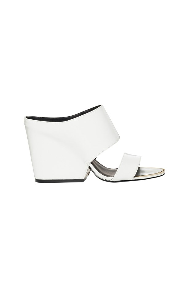 "<p> <a href=""http://www.myer.com.au/shop/mystore/women/s17-spring-racing/calvin-klein-cali-platinum-white-patent-sandal"">Shoes, $339, Calvin Klein at myer.com.au</a>"