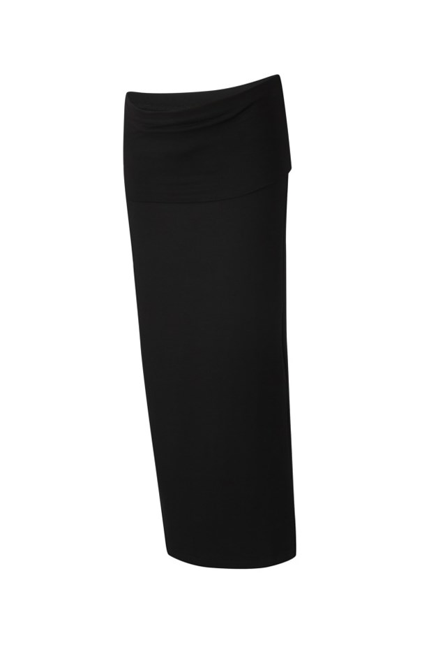 "<p> A versatile maxi skirt is the ultimate multi-tasking outfit base. Pair it with sneakers and a t-shirt for a comfortable weekend errand run, or with mules and a blazer for weekday meetings. <p> <p> <a href=""https://www.isabellaoliver.com/us/shop/maternity-clothes/maternity-skirts/ashurst-maternity-maxi-skirt-caviar-black.htm#fullscreen-image-2"">Skirt, $122, Isabella Oliver.</a>"