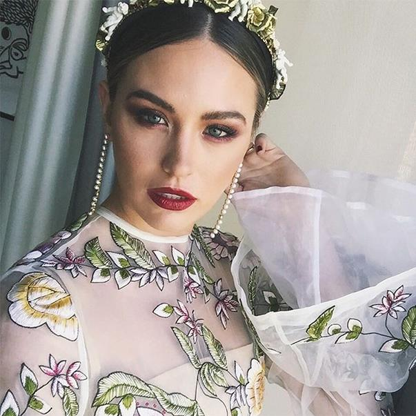 """<p>And here's another glimpse of Jesinta Campbell's Caulfield Cup Day look. <p><a href=""""https://www.instagram.com/p/BLkLxoAFalz/"""">Instagram.com/jesinta_campbell</a>"""