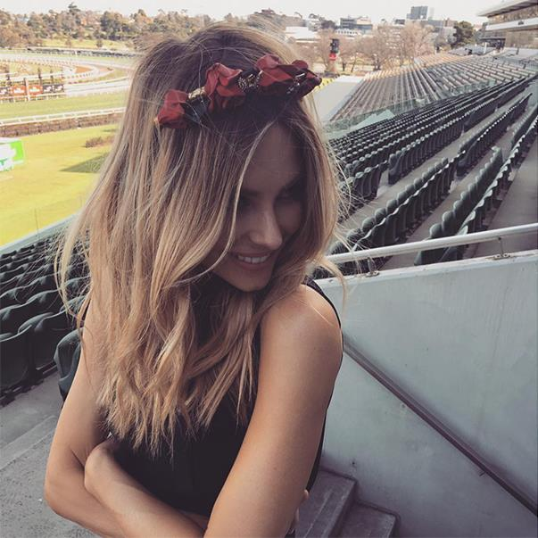 "<p>Jennifer Hawkins wore a Natalie Bikicki headpiece when she went to a race at Flemington Racecourse. <p><a href=""https://www.instagram.com/p/BKFrgCNBIa5/"">Instagram.com/jenhawkins_</a>"