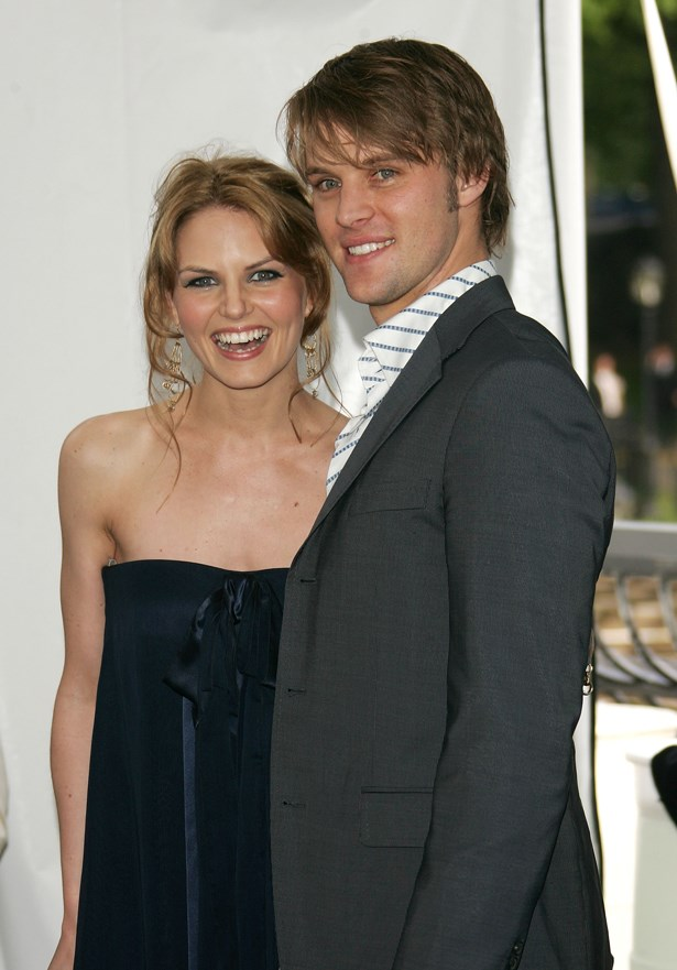 <p> Jennifer Morrison and Jesse Spencer <p> Jennifer and Jesse dated and got engaged on the set of their show <em>House</em>, but ended their relationship a few months before their wedding.