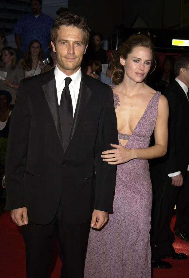 <p> Jennifer Garner and Michael Vartan <p> Jennifer and Michael dated for a year on the set of <em>Alias </em>before breaking up in 2004. The two continued to work together for two years after that.