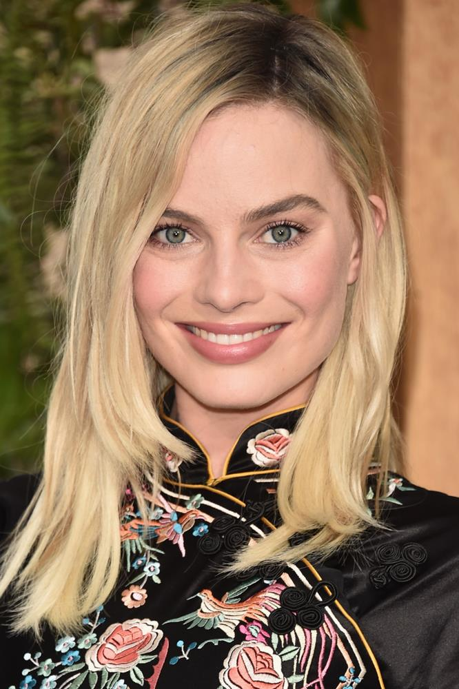 <strong>Margot Robbie</strong><br><br> Lancer's The Method Cleanser