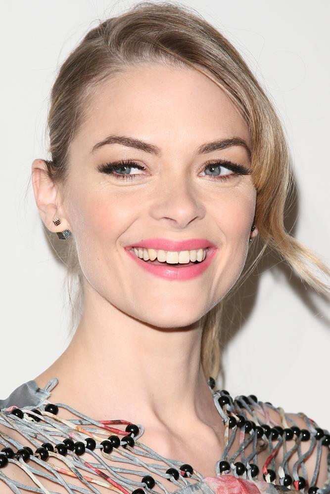 <strong>Jaime King</strong><br><br> Elemental Herbology's Purify & Soothe Cleansing Balm