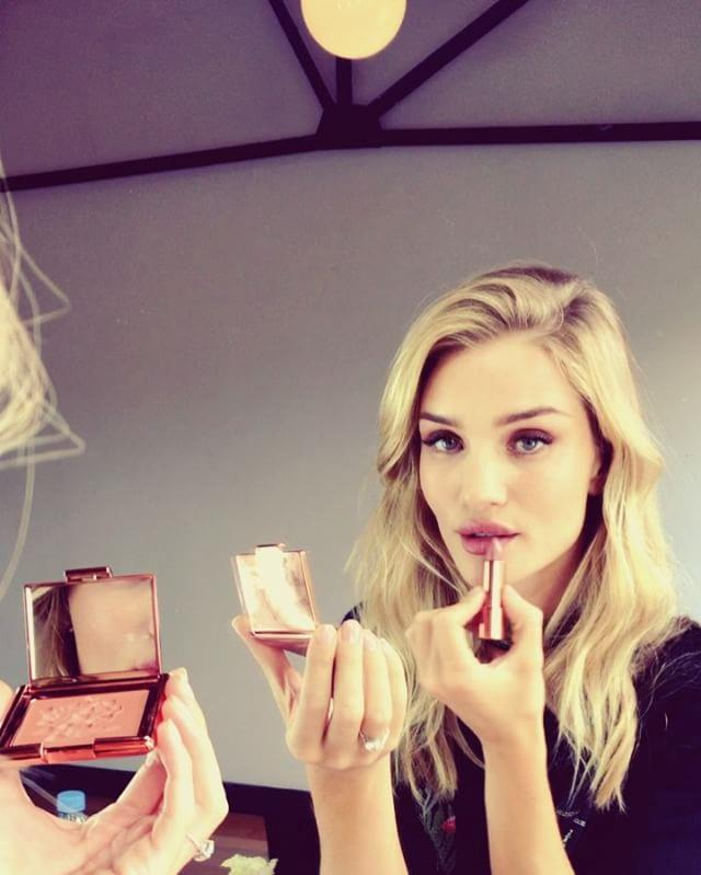 <p><strong>Who:</strong> Rosie Huntington-Whiteley <p><strong>Brand:</strong> Rosie For Autograph <p><strong>What:</strong> Rosie designed her first makeup line in collaboration with Autograph, Marks & Spencers' in-house luxury line. She showcased a lot of the products from the colour collection when she used it to do her makeup on Snapchat.