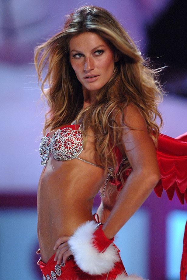 <p> <strong>The Year:</strong> 2005.<p> <P> <strong>The Bra:</strong> In one of the VSFS's most iconic moments, Gisele Bundchen, clad in the $16.3 million 'Sexy Splendour' Fantasy Bra (with a 101 carat diamond in the middle) and a tiny pair of red wings, turned over a new era for the show.<p> <p> <strong>The Wearer:</strong> Gisele Bundchen. <p>