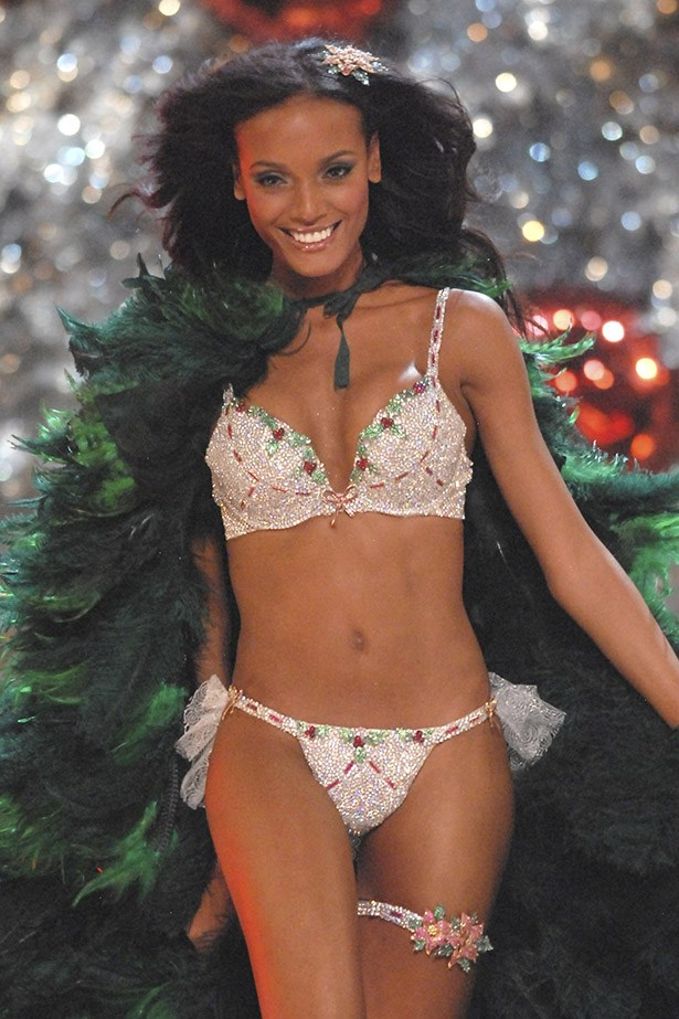 <p> <strong>The Year:</strong> 2007.<p> <P> <strong>The Bra:</strong> The first ever Christmas-themed bra, named the 'Holiday Fantasy' bra, was worth $5.8 million and featured rubies, emeralds and yellow sapphires.<p> <p> <strong>The Wearer:</strong> Selita Ebanks.<p>