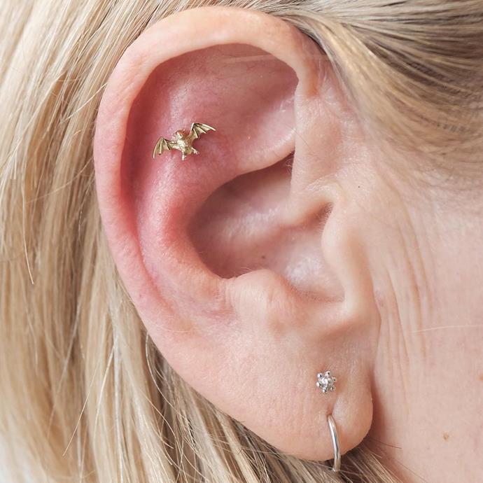 "<p>Two vertical piercings on the lobe also work. <p><a href=""https://www.instagram.com/p/BKDqaC-BONp/"" target=""_blank"">Instagram.com/bentauber</a>"